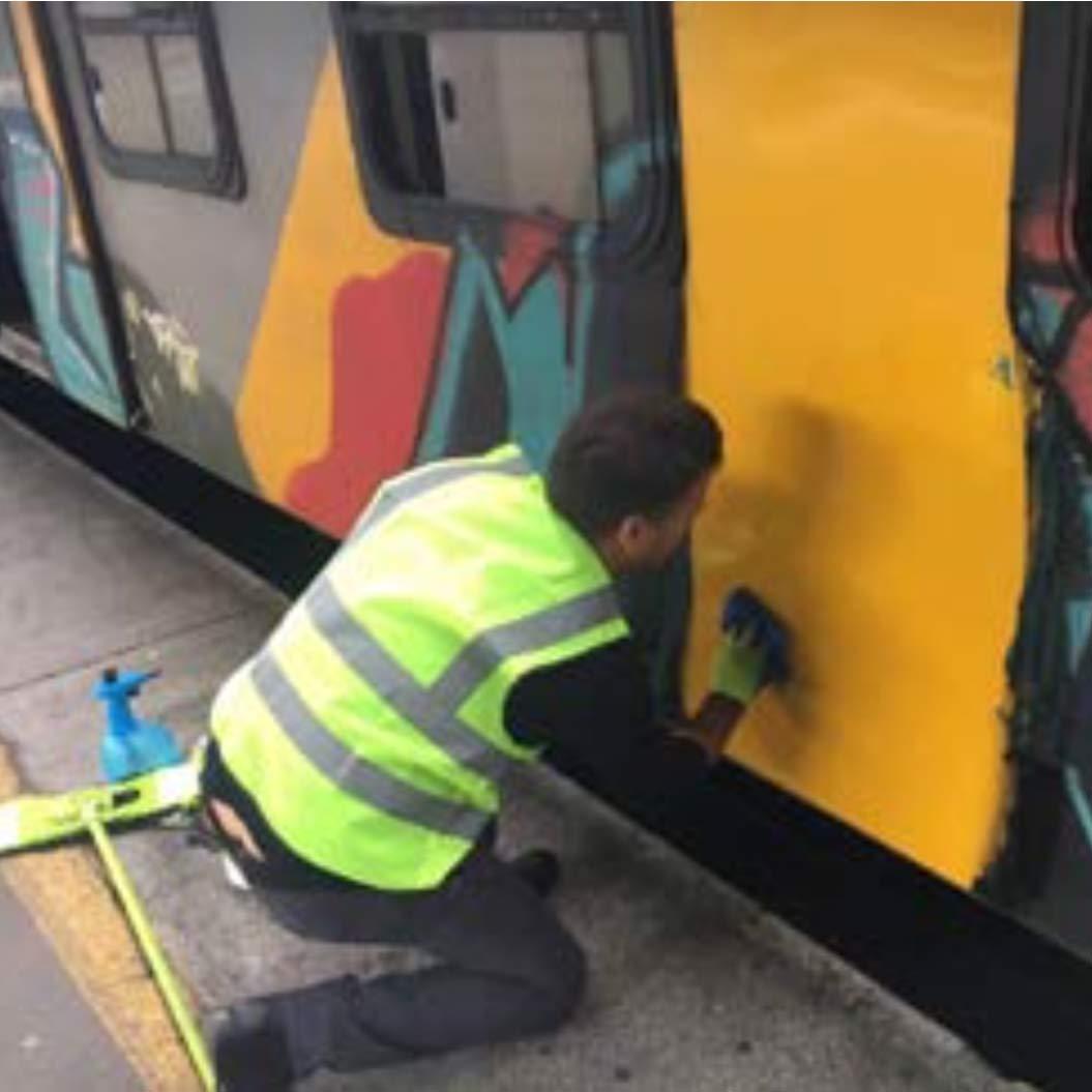 graffiti-remover